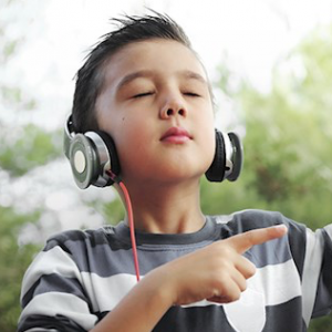 image-of-boy-listening-to-music-v2-658x325